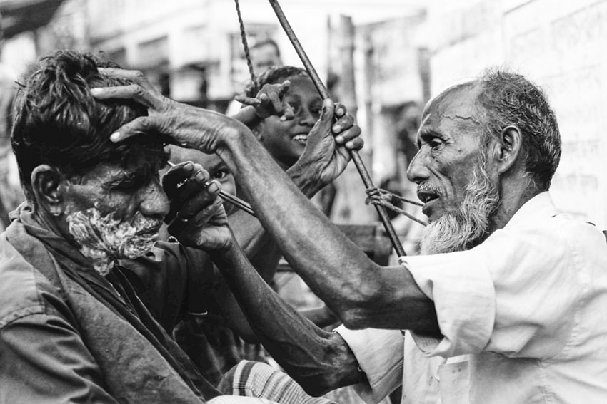 Open-air barber