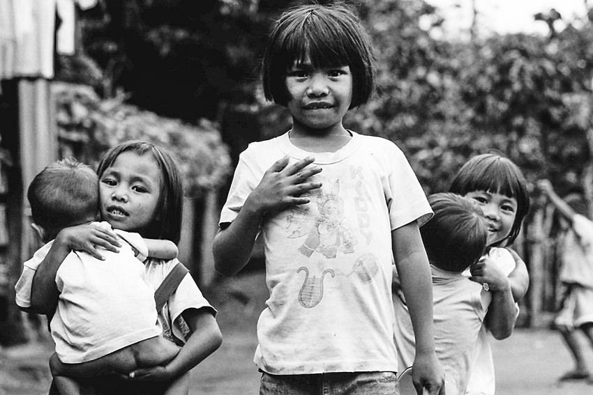 山間に村で出会ったおかっぱの女の子