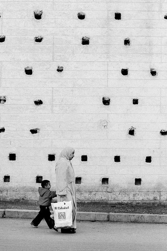 沢山の壁の穴