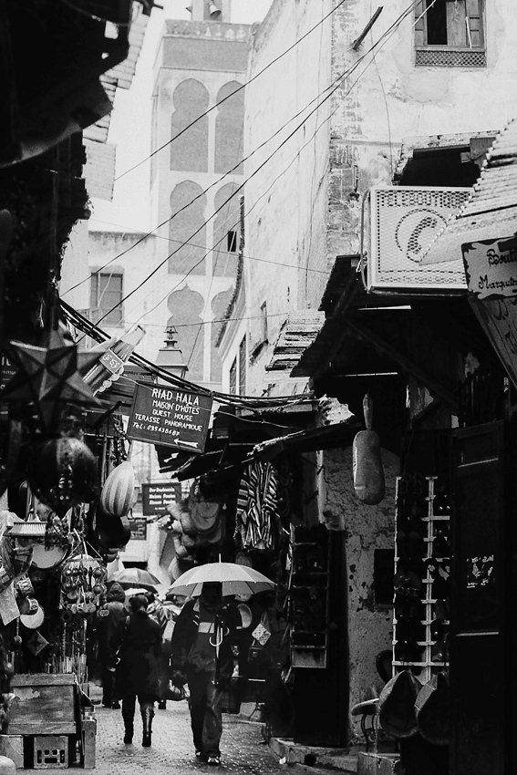 旧市街の傘