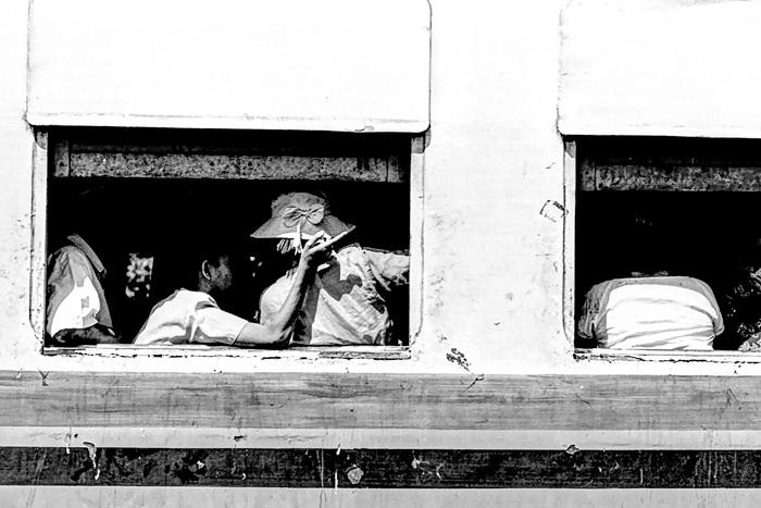 myanmar chatting