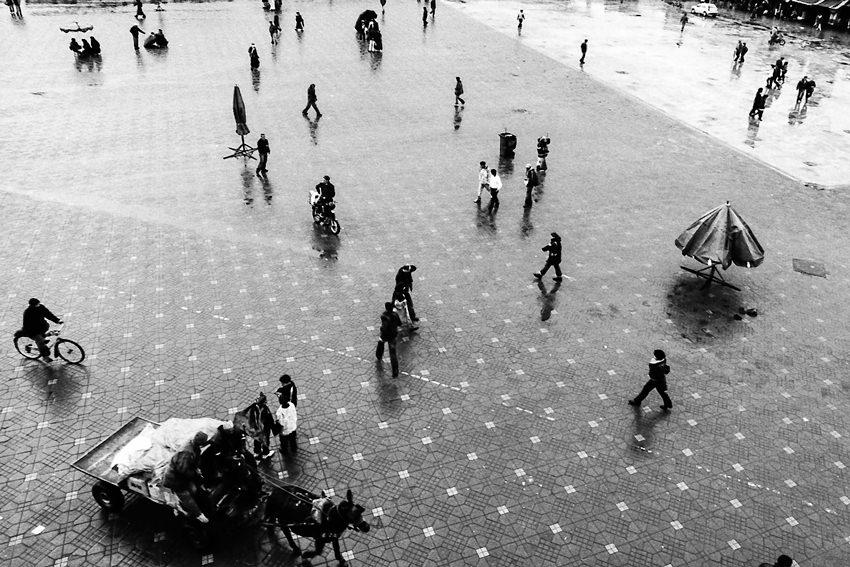 ジャマ・エル・フナ広場の人びと