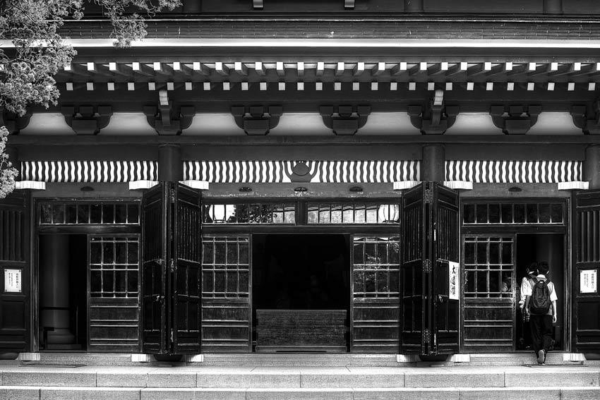 円覚寺の仏殿の正面