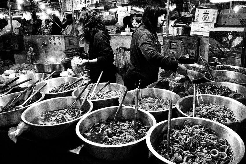 市場で売られている惣菜