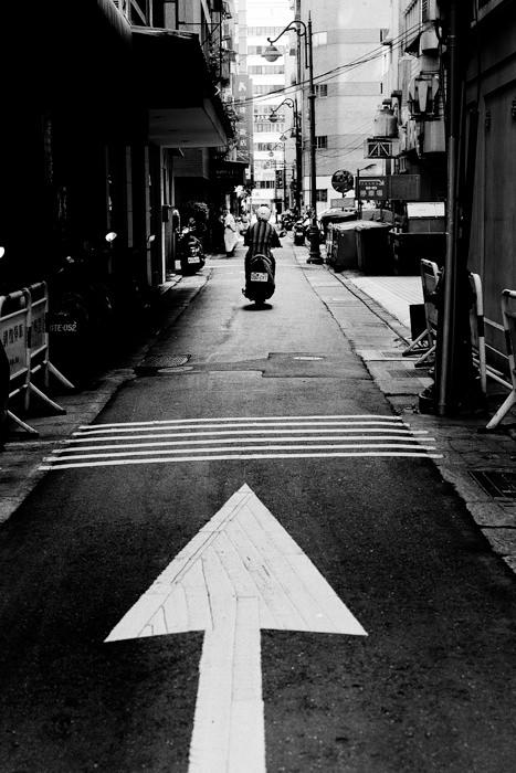 矢印の先のバイク