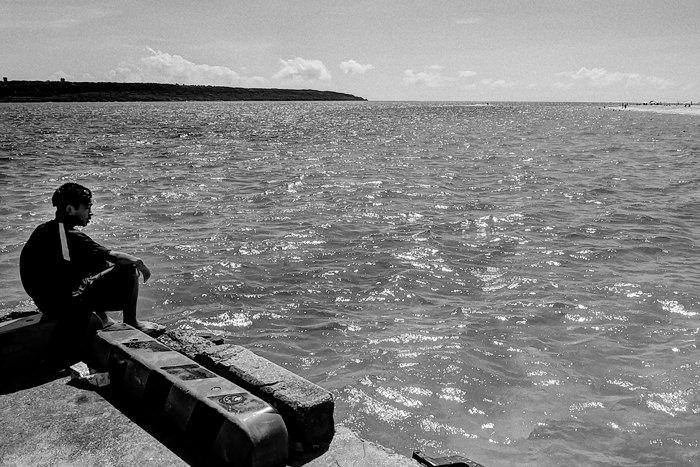 男の子と海