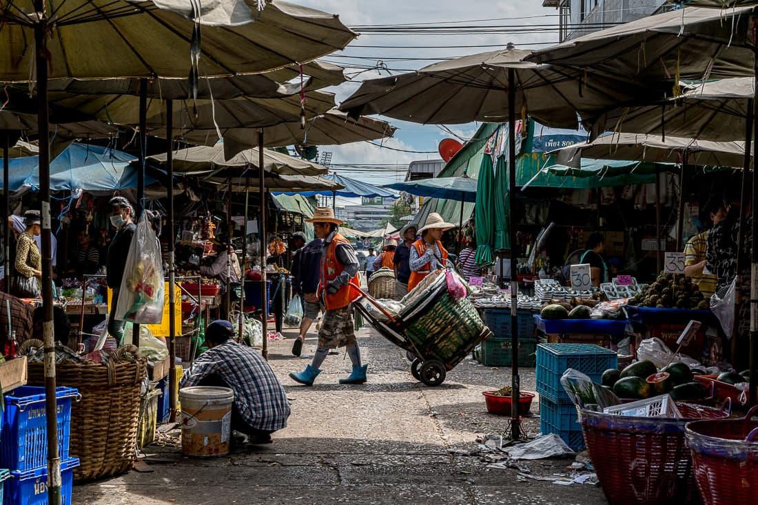 Passage in Khlong Toei Market