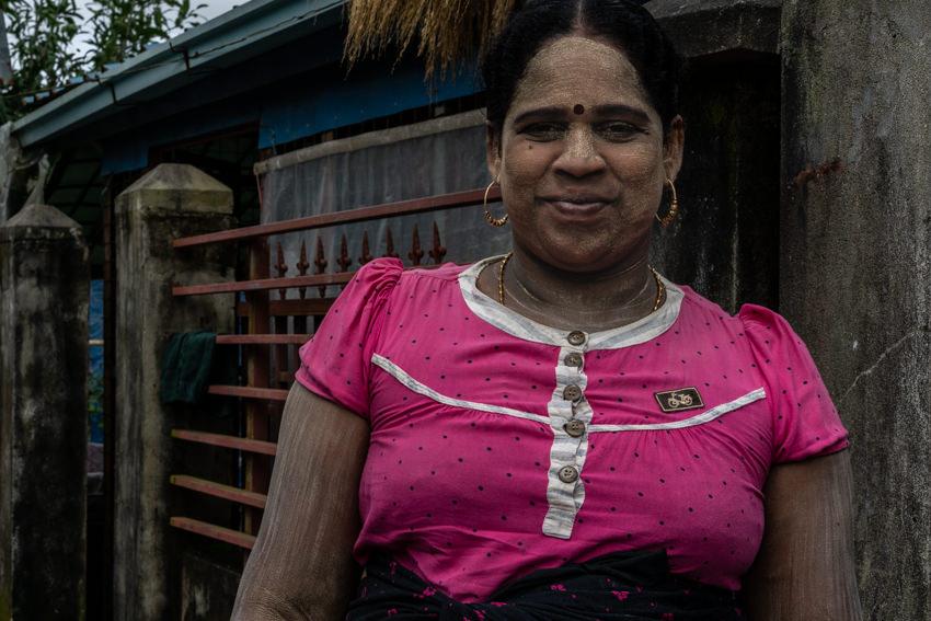 インド系ミャンマー人の女
