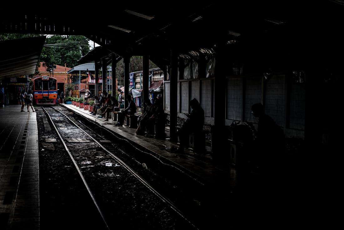 マハーチャイ駅のプラットフォーム
