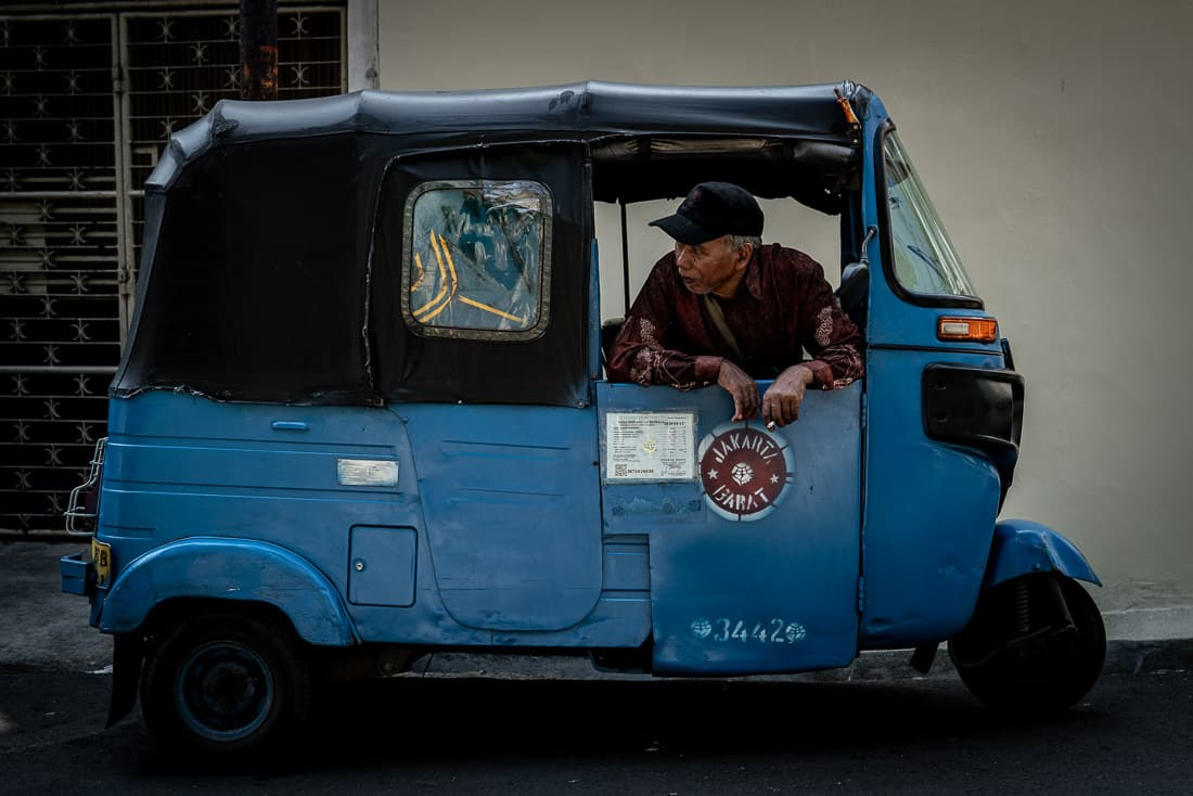 Bajaj waiting for customers in Glodok