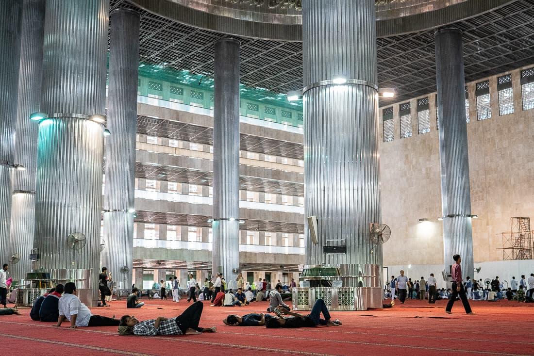 イスティクラル・モスクの中