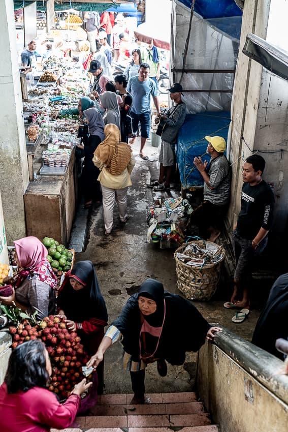 Shopper in Kanoman market