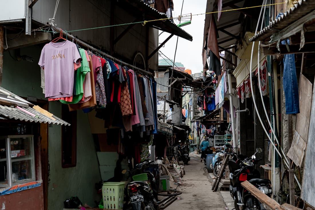 ジャカルタ・コタ地区の路地