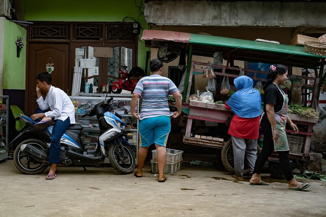 ジャカルタの路地に出ていた屋台
