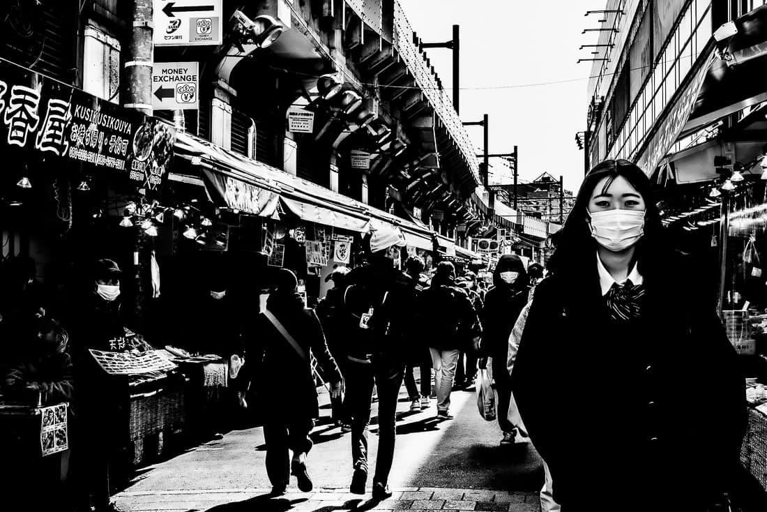 アメ横の女子高生