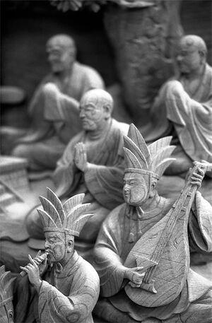 帝釈天にあった木彫りの楽隊
