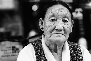 チベット族の老婆