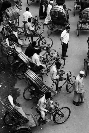 Cycle rickshaw lining up