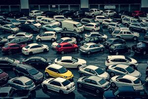 モーチット駅の横にある駐車場