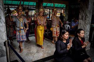 Dedicatory dance in Erawan Shrine
