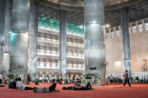 Inside of Istiqlal mosque