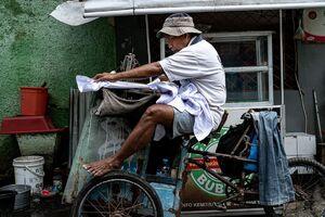 Mobile tailor's shop