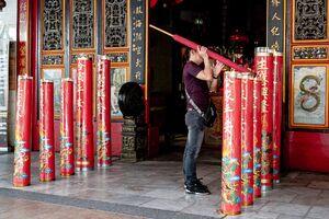 Huge candles in Kaizhang Shengwang Temple