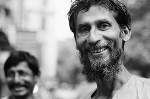 モジャモジャ髭の男