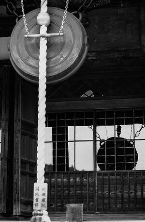 お寺の銅鑼