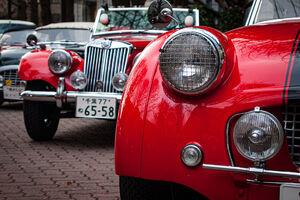 赤いクラシックカー