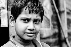 鋭い視線の男の子