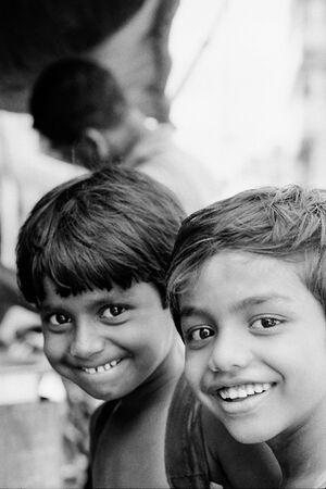 笑顔の二人の男の子