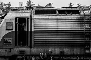 Locomotive stopping at Galle Railway Station