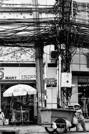Wagon under the tangle of wires