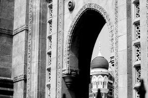 タージマハル・ホテルとインド門