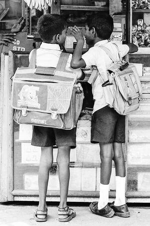 二人の小学生