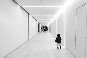 Kid in passage in Tokyo Midtown