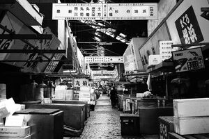 Deserted passage in Tsukiji Market