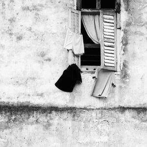 窓と洗濯物