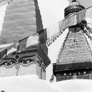 仏塔に描かれた瞳