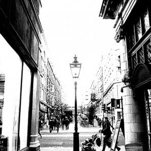 古めかしいデザインの街灯