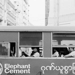 ヤンゴンの路線バス