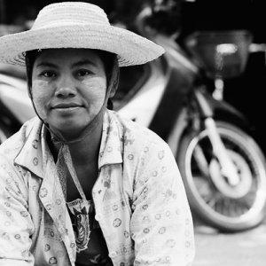 Woman wearing wide-brimmed hat