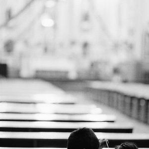 教会の中にいた兄妹