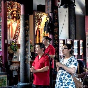 台湾府城隍廟の参拝客
