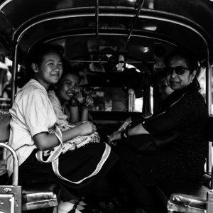 ソンテウの乗客の笑顔