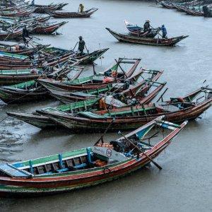 Fishing boats in Dalah river