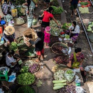 Vendors selling on platform of Da Nyin Gone Station