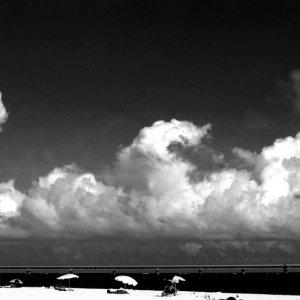 与那覇前浜ビーチのビーチパラソル