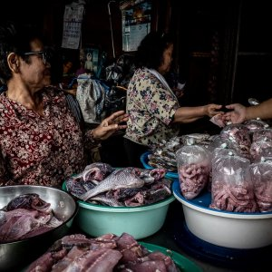 Shop selling fish fillets in Khlong Toei Market